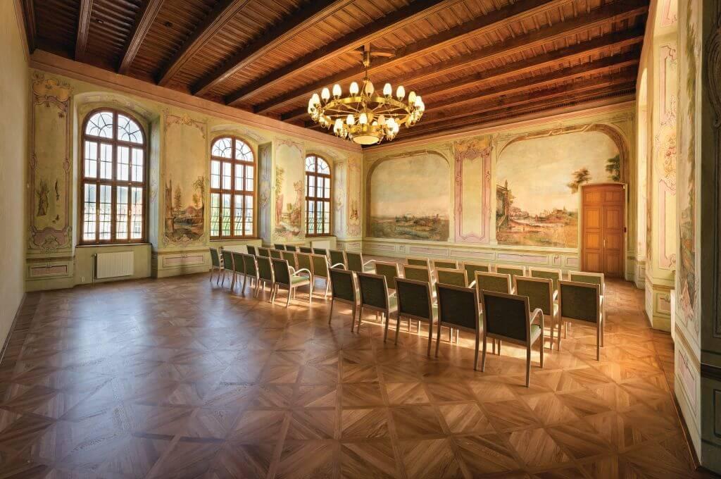 Barokní sál s freskovou výmalbou
