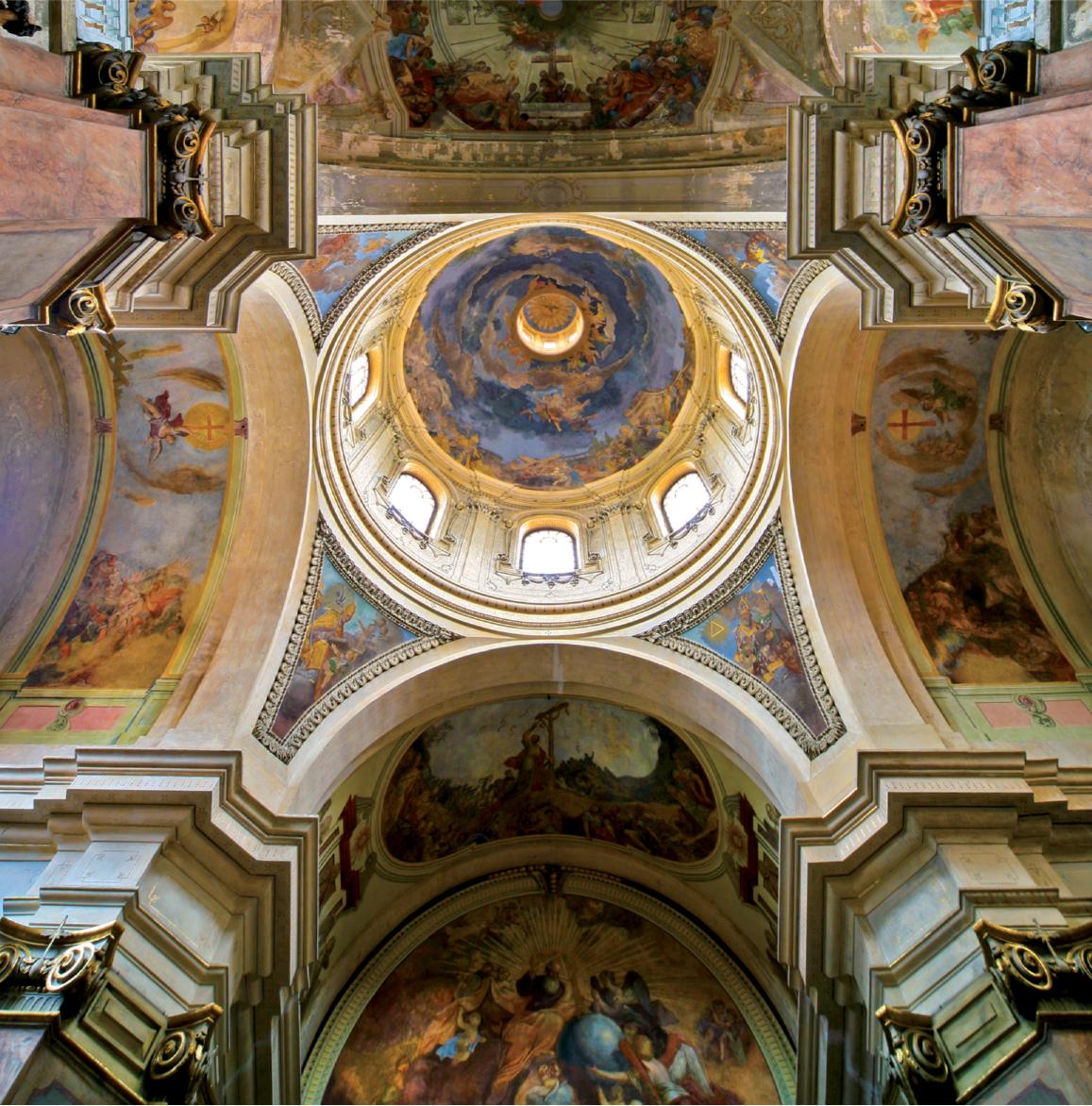 Barokní výmalba stropu kostela Povýšení sv. Kříže